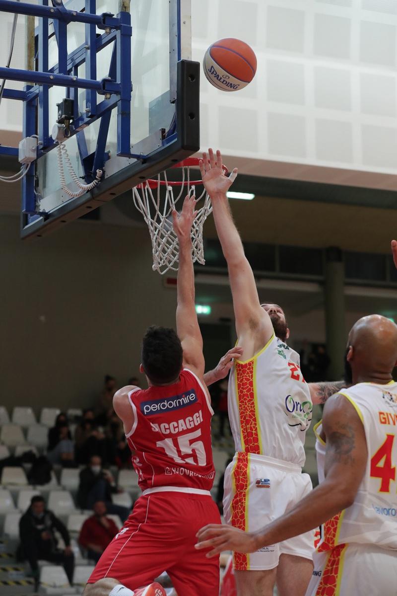 LNP serie A2, decima giornata.  OraSi Ravenna - Giorgio Tesi Group Pistoia.