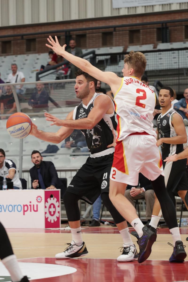 LNP serie A2 quarta giornata.  OraSì Basket Ravenna - Sporting Club Juvecaserta.
