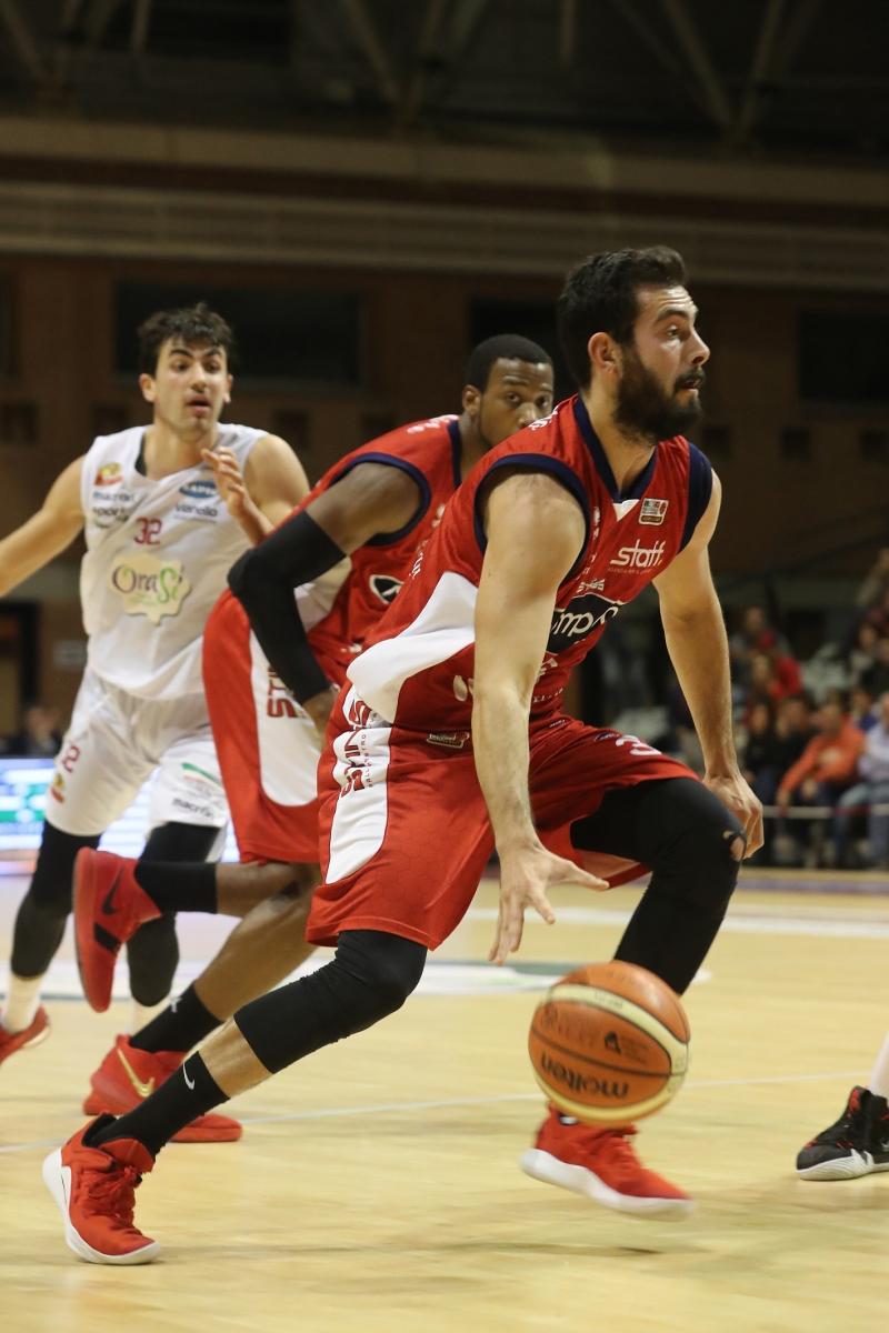 LNP serie A2 Ottava giornata. OraSì Basket Ravenna - Pompea Mantovaì.