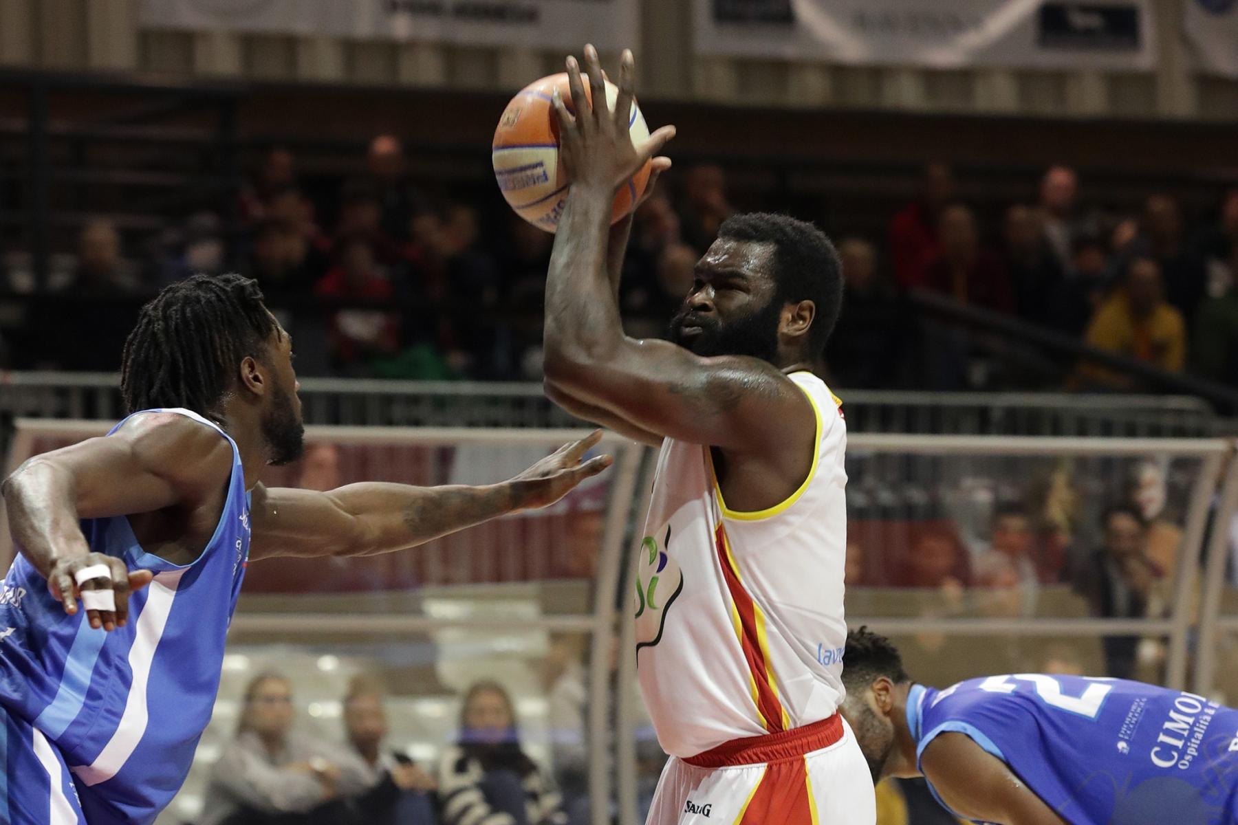 LNP serie A2 nona giornata.  OraSì Basket Ravenna - Sapori Veri Roseto.