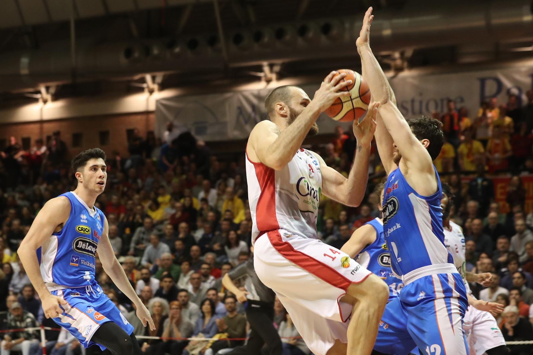 LNP serie A2 Ventottesima giornata. OraSì Basket Ravenna - De longhi Treviso.