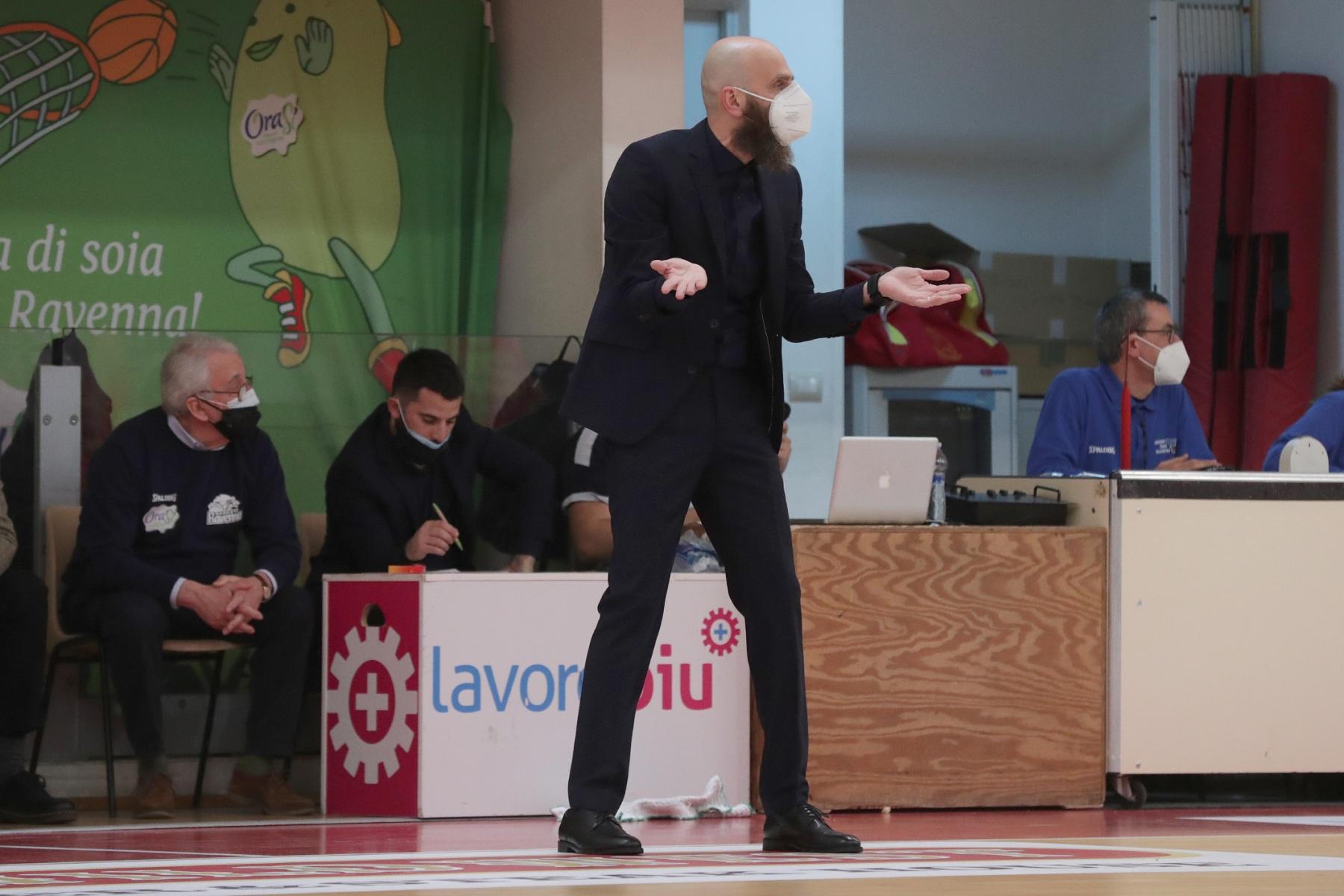 LNP serie A2, seconda giornata.  OraSi Ravenna - Unieuro Forlì.