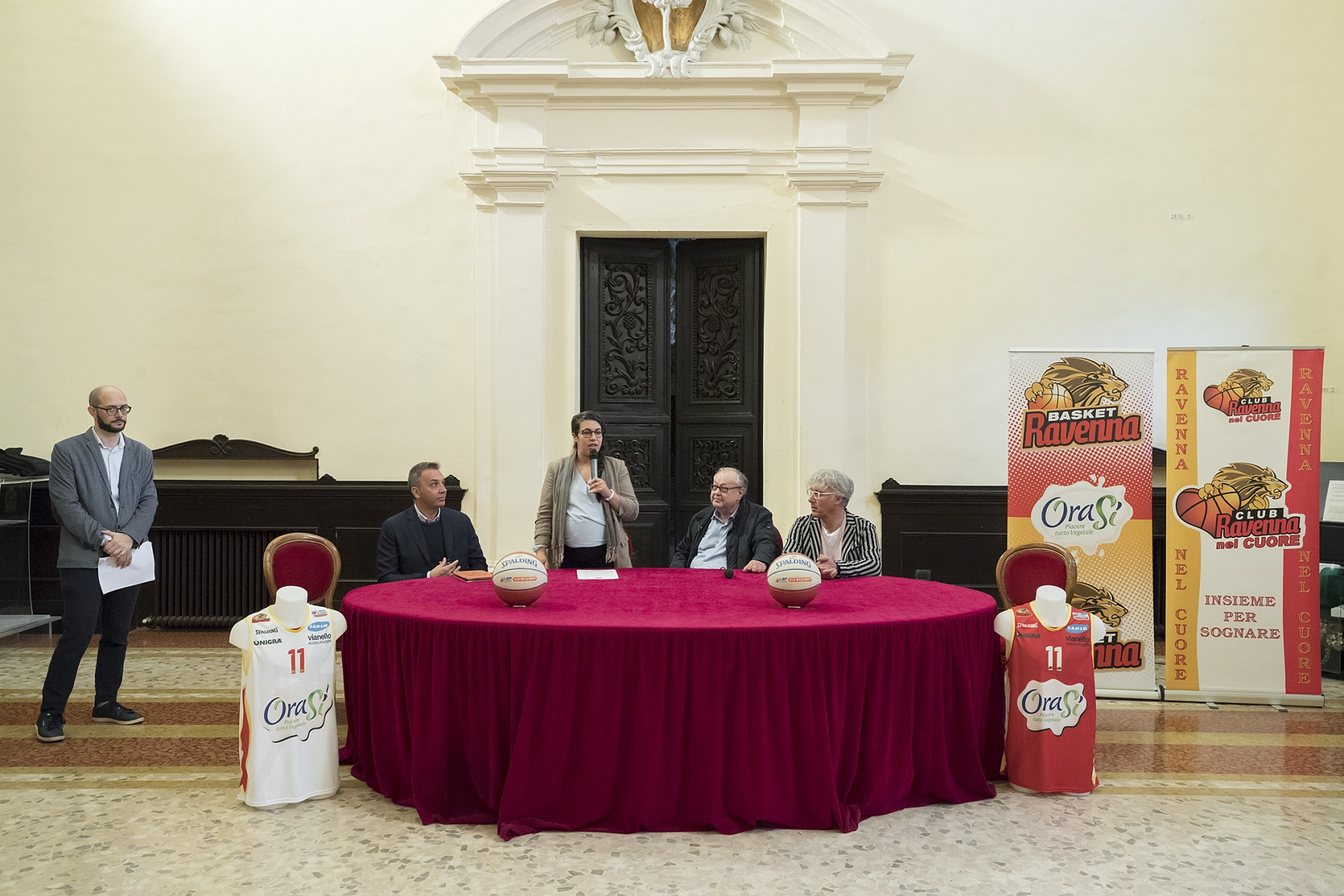 ORASI' BASKET RAVENNA, PRESENTATA LA NUOVA MAGLIA DI GIOCO.