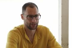 ORASI' BASKET RAVENNA, PRESENTATI 2 NUOVI GIOCATORI. Luigi Sergio (Camicia gialla) e Marco Venuto (maglietta rossa)